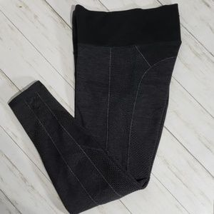 Athleta Black & Gray Ribbed Legging Pants
